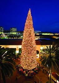 fashion_island_tree_lighting_2012
