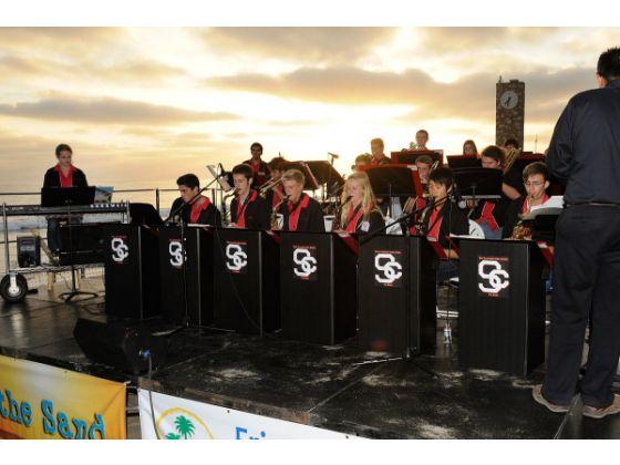 san_clemente_summer_concert_series_at_the_pier_beach_2012